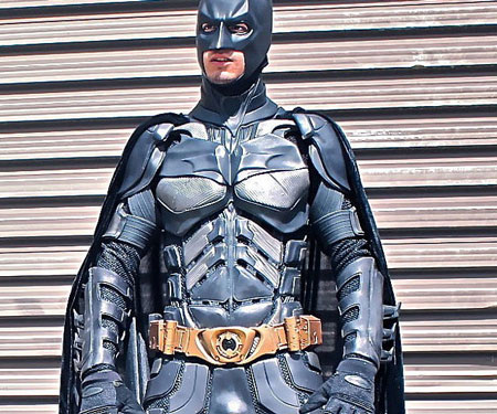 The-Dark-Knight-Batman-Suit