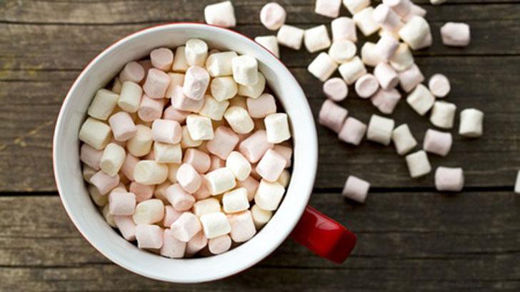 Mini Dehydrated Marshmallows in cup