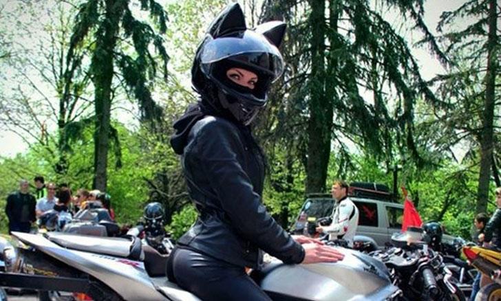 Cat-Ears-Motorbike-Helmet2