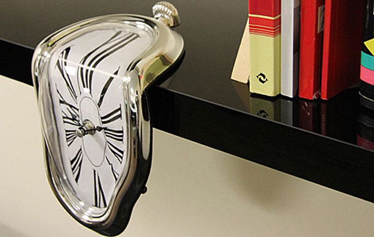 Designer-Melting-Clock
