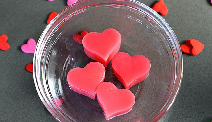 Heart-Shaped-Ice-Cubes