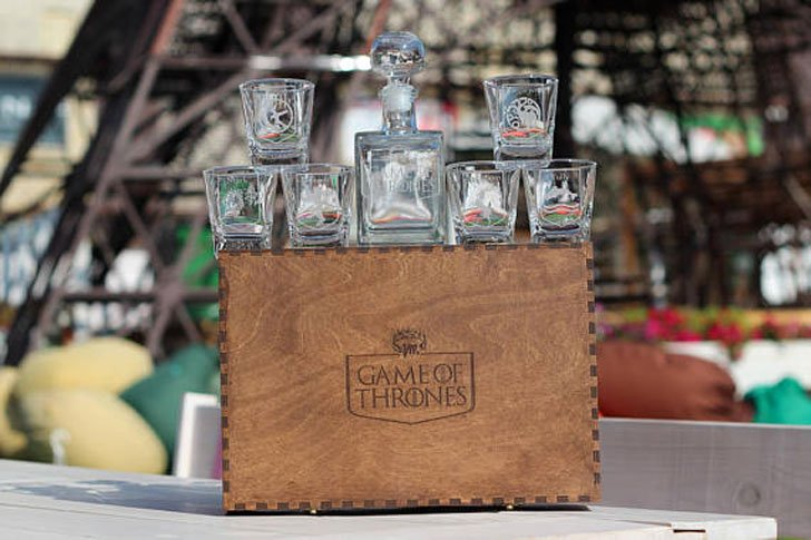 Personalised Game of Thrones Decanter Gift Set