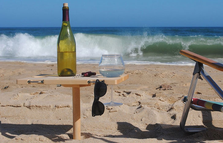 Mini-Portable-Beach-Table2
