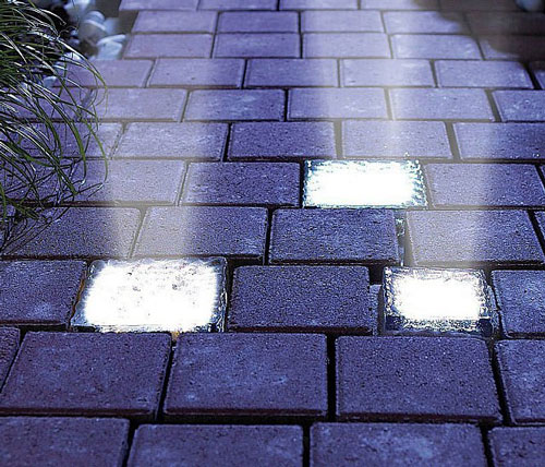 Solar Powered Light-Up Bricks