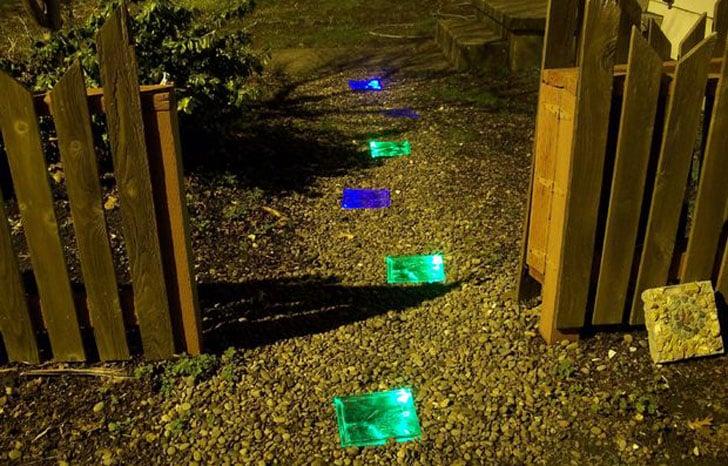 Solar-Powered-Light-Up-Bricks5