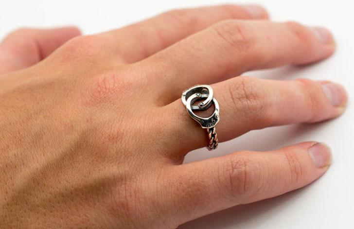 Handcuff Ring