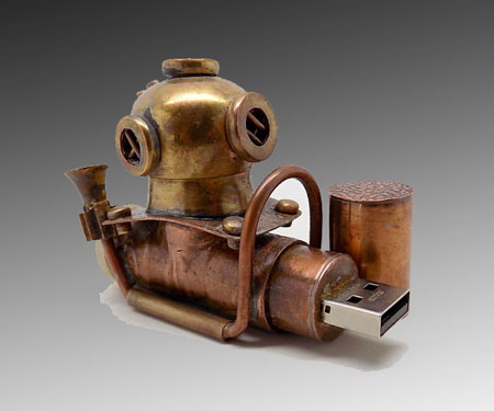 Steampunk-Diver-Helmet-USB-Flash-Drive