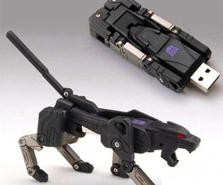 Transformer USB Flash Drive