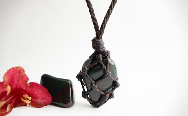 Bloodstone Gem Macrame Necklace