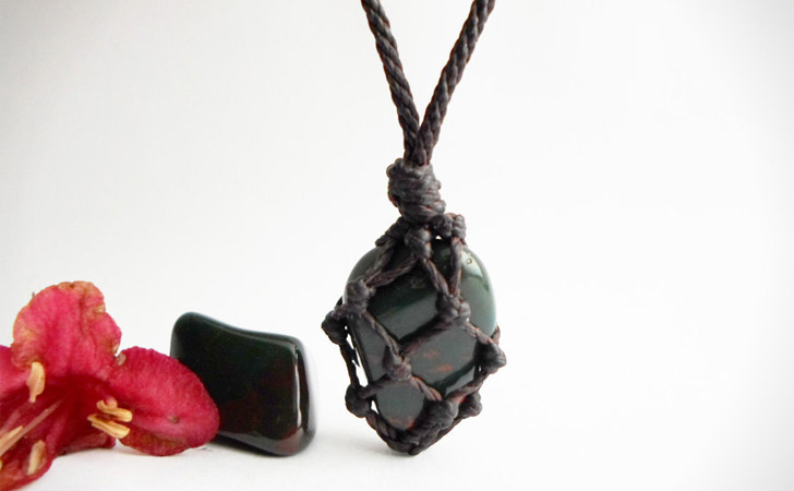 Bloodstone Gem Macrame Necklace