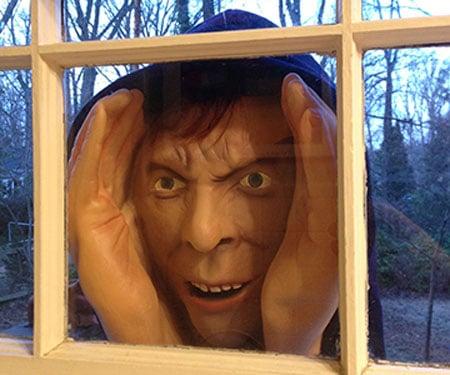scary-peeping-tom-window-prop-4