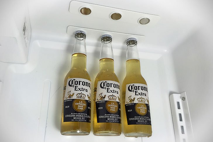 magnetic-refrigerator-bottle-holders