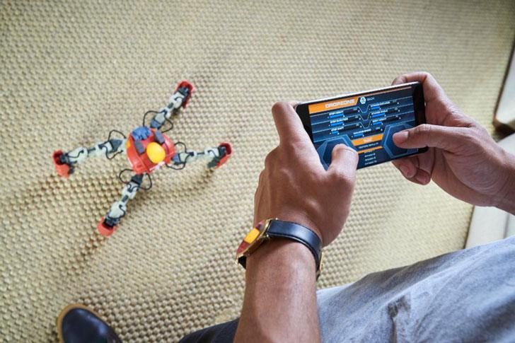 Smartphone Battle Spider Robots
