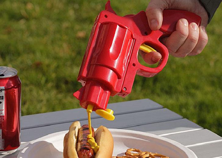 ketchup or mustard condiment gun