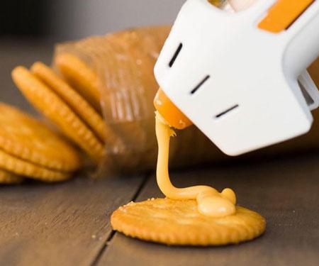 Hot Cheese Dispensing Gun