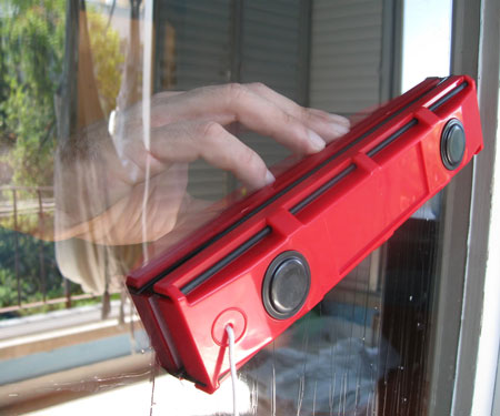magnetic-double-sided-window-cleaner