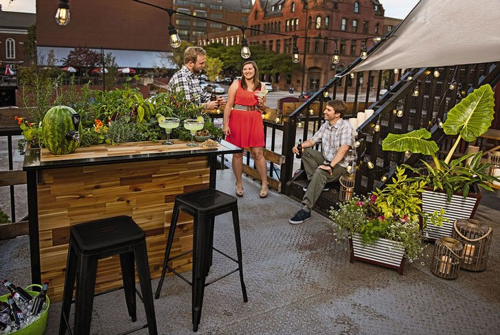 Outdoor Planter Bar
