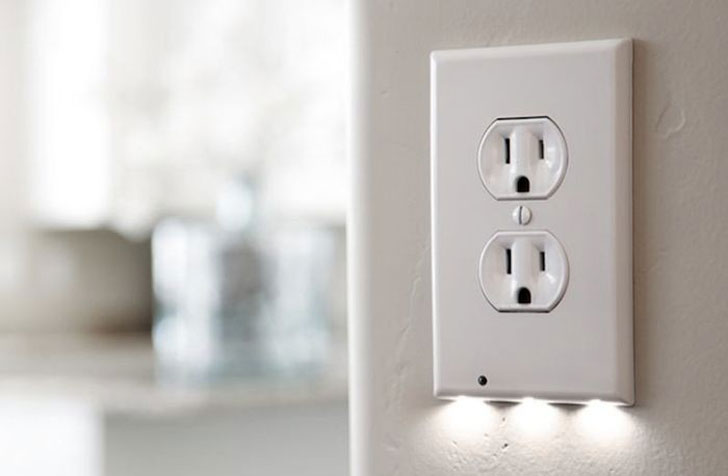 Power Outlet Night Light Sensor