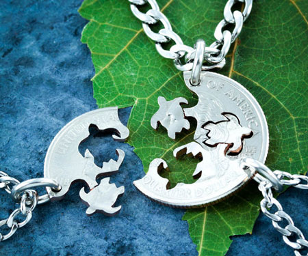 Three Best Friends Turtle Necklace
