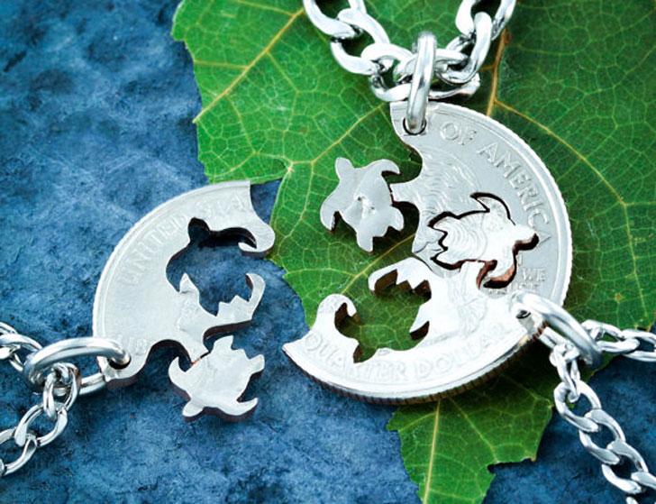 Three Best Friends Turtle Necklace