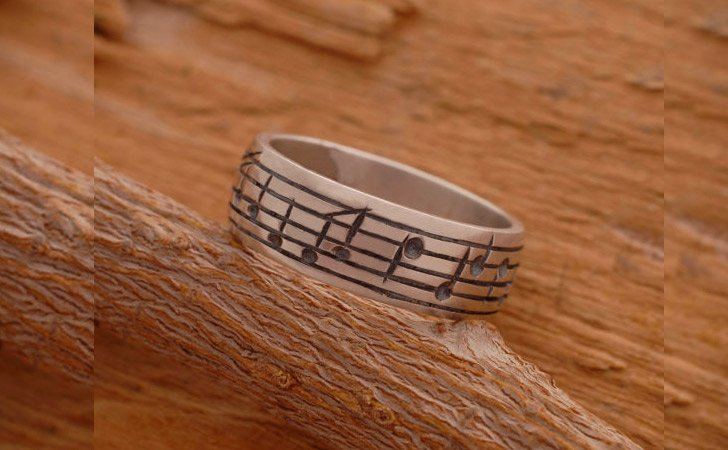 The Personalized Music Notes Ring