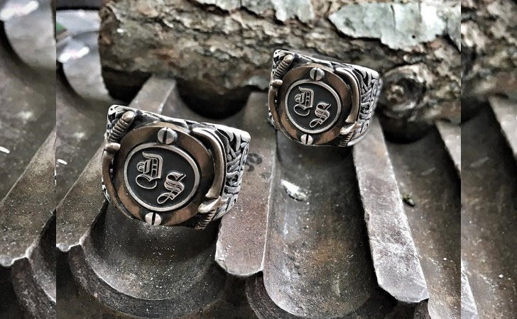 The Personalized Sword Ring