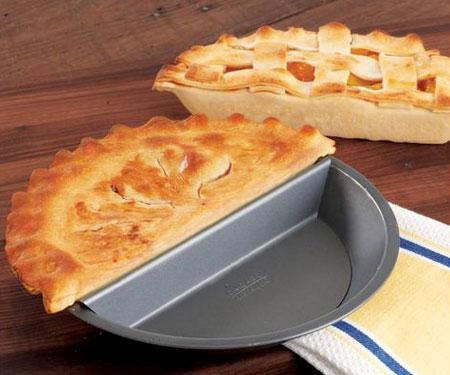 Chicago Metallic Split Decision Pie Pan