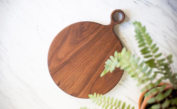 Round Walnut Wood Cutting Board