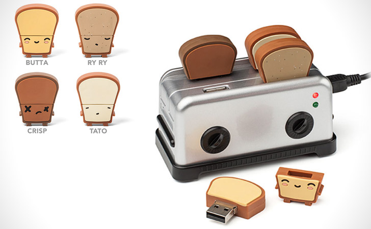 Toaster USB Hub With Thumb Drives
