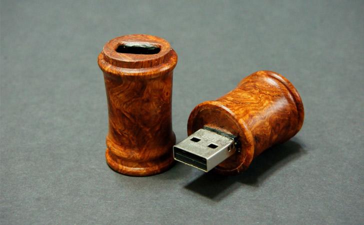 Wooden Desk Scroll USB