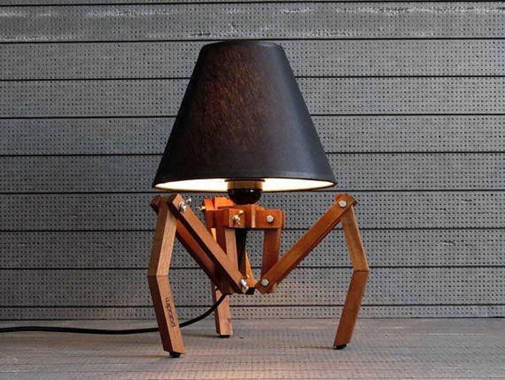 Wooden Tripod Desk Lamp