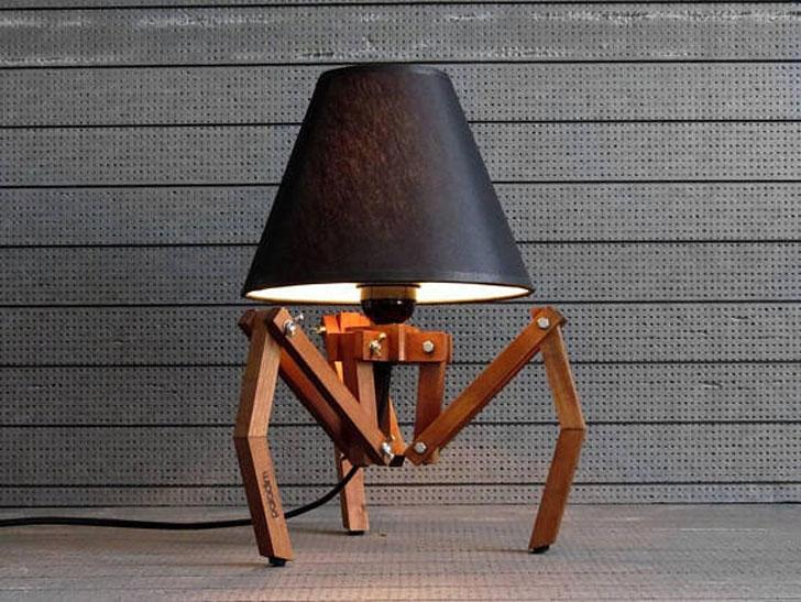 Wooden Tripod Desk Lamp