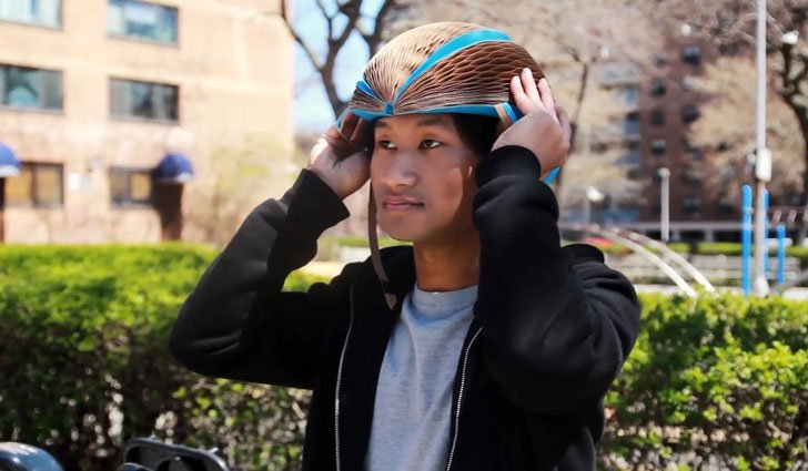 Eco Helmet: Folding Recyclable Helmet