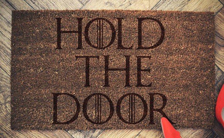 funniest doormats - Hold The Door