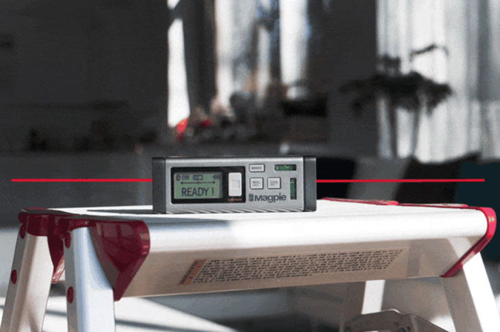 World's First Bilateral Laser Distance Measurer