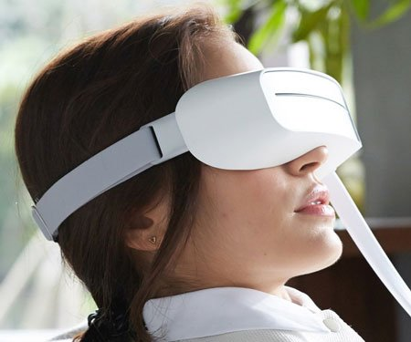 Aurai Water-Propelled Eye Massager