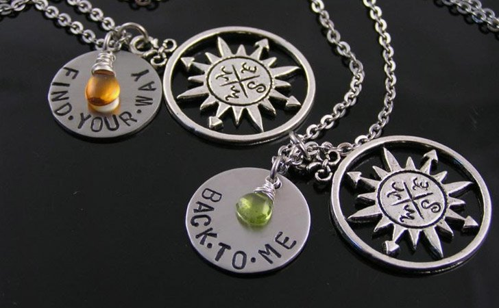 50 superb matching necklaces for couples couples necklaces for Couples matching jewelry sets
