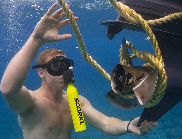 Scorkl: Refillable Miniature Snorkeling Tank