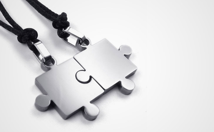 Matching Necklaces For Couples - Sleek Minimalist Stainless Steel Jig Saw Puzzle Couple Necklace Set