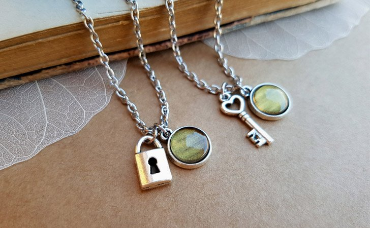 x2 Venus Jewellery Key And Lock Necklace Set - Matching Necklaces For Couples