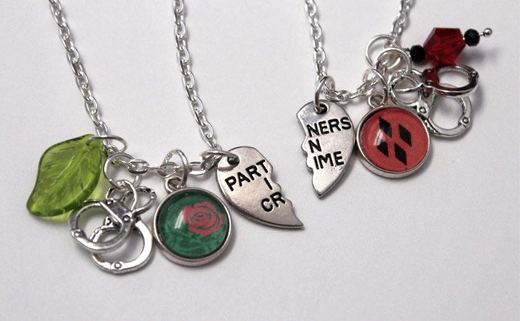 Harley Quinn & Poison Ivy BFF Friendship Necklaces Set