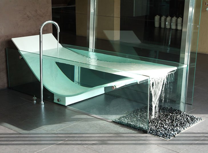 Le Cob Glass Bathtub