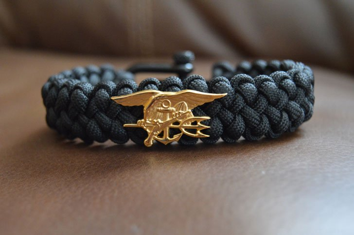 Premium US Navy Seal paracord Bracelet