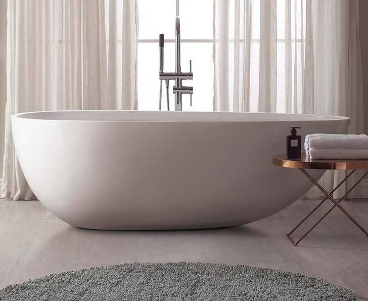 Versastone Soaking Bathtub