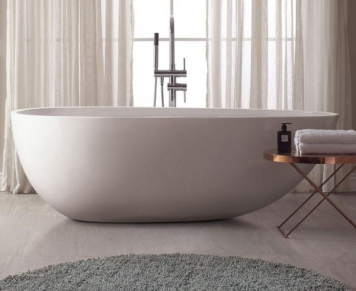 Versastone Soaking Bathtub