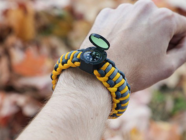 Wazoo Survival Gear Adventure Bracelet