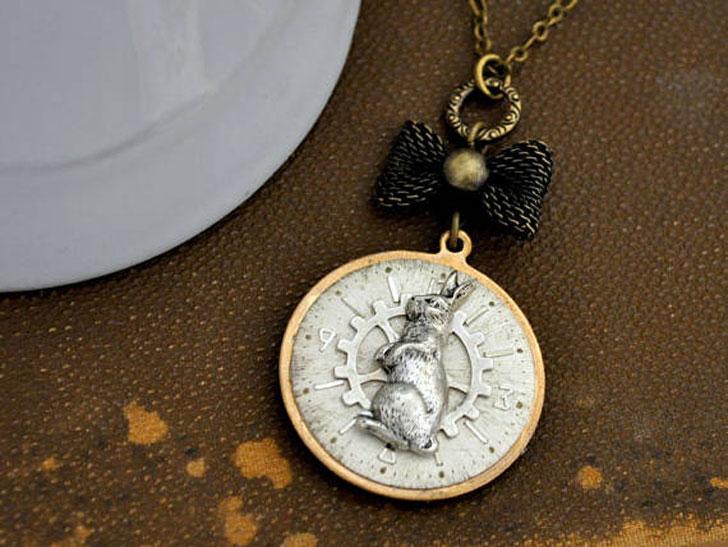 Alice in Wonderland Inspired Steampunk Necklace
