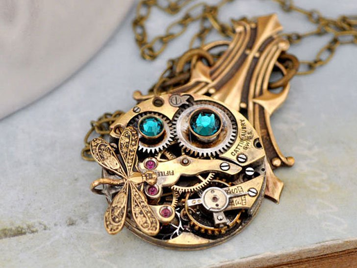 Are Deco Steampunk Necklace
