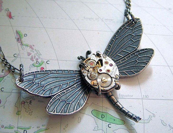 Are Nouveau Styler Dragon Fly Steampunk Necklace