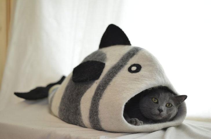 Karma Cat Pet Cave Bed